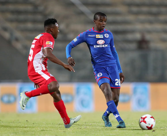 Teboho Mokoena of Supersport United challenged by Lebohang Maboe of Maritzburg United during MTN8 Semifinal match between Supersport United and Maritzburg United at Lucas Moripe Stadium, Atteridgeville South Africa on 26 August 2017 ©Muzi Ntombela/BackpagePix