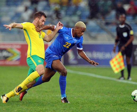 Bradley Grobler of South Africa is challenged by Ianique dos Santos of Cape Verde during the World Cup Qualifier match between South Africa and Cape Verde on the 05 September 2017 at Moses Mabhida Stadium  © Sydney Mahlangu /BackpagePix