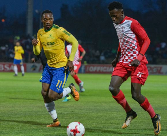 Sibusiso Hlubi of Free State Stars and Sibusiso Vilakazi of Mamelodi Sundowns during the Absa Premiership 2017/18 game between Free State Stars and Mamelodi Sundowns at Goble Park, Bethlehem on 11 September 2017 © Frikkie Kapp/BackpagePix