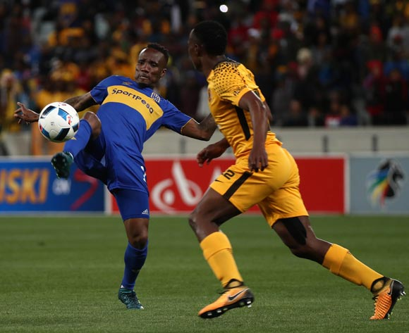 Teko Modise of Cape Town City evades challenge from Philani Zulu of Kaizer Chiefs during the Absa Premiership 2017/18 football match between Cape Town City FC and Kaizer Chiefs at Cape Town Stadium, Cape Town on 13 September 2017 ©Chris Ricco/BackpagePix
