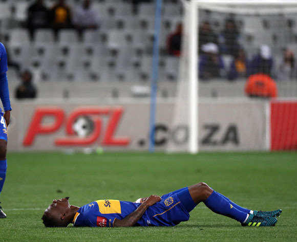Teko Modise of Cape Town City reacts in pain after injury during the Absa Premiership 2017/18 football match between Cape Town City FC and Kaizer Chiefs at Cape Town Stadium, Cape Town on 13 September 2017 ©Chris Ricco/BackpagePix