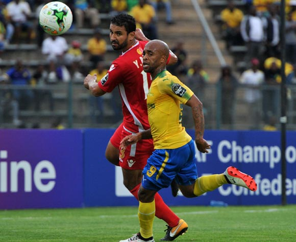 Oupa Manyisa of Mamelodi Sundowns challenged by Rabeh Youssef of Wydad Athletic during 2017 Caf Champions League game between Mamelodi Sundowns and Wydad AC at Lucas Moripe Stadium on 17 September 2017@Aubrey Kgakatsi/BackpagePix