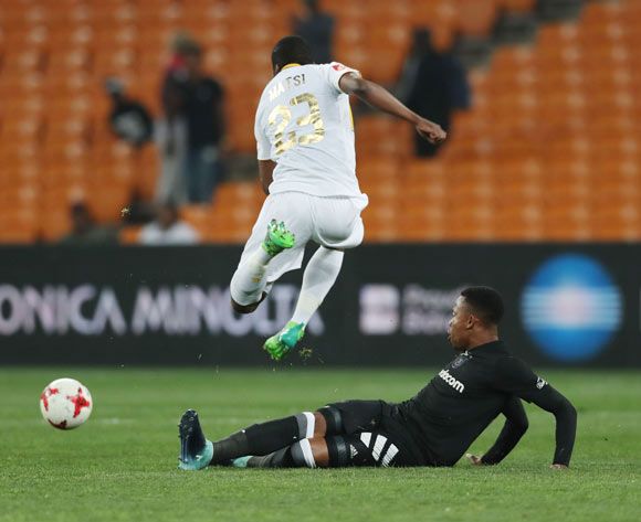 Mpho Matsi of Cape Town City evades tackle from Happy Jele of Orlando Pirates during the 2017/18 Absa Premiership football match between Orlando Pirates and Cape Town City at Soccer City, Johannesburg on 19 September 2017 ©Gavin Barker/BackpagePix