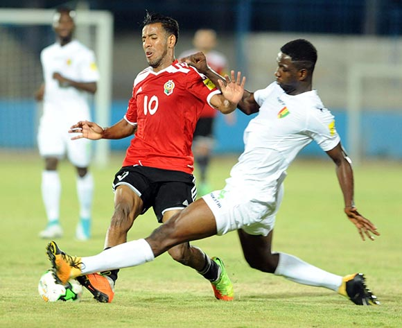Libya player El Houni Hamdou (L) fights for the ball with Guinea player  Conte Ibrahima Sory (R) during the World Cup 2018 qualifying football match between Libya and Guinea in Monastir, Tunisia on 04 September 2017 © BackpagePix