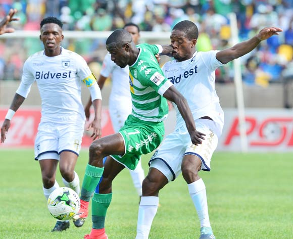 Deon Hotto of Bloemfontein Celtic challenged by Phumlani Ntshangase of Bidvest Wits during the 2017/18 Absa Premiership football match between Bloemfobtein Celtic and Bidvest Wits at Dr Molemela Stadium, Bloemfontein on 01 October 2017 ©Samuel Shivambu/BackpagePix