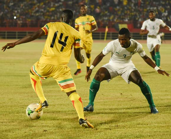 dama TRAORE of Mali and Jean-Philippe GBAMIN of Ivory Coast during the World Cup Qualifier match between Mali and Ivory Coast on the 06 October 2017 at National Stadium,Bamako©BackpagePix