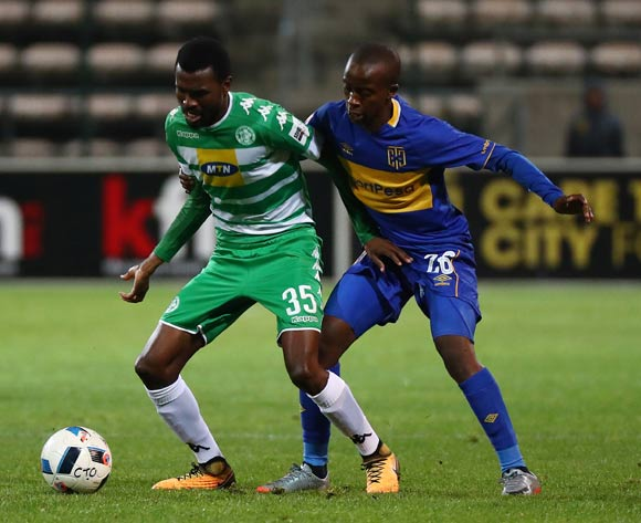 Lucky Baloyi of Bloemfontein Celtic challenged by Thabo Nodada of Cape Town City during the Absa Premiership 2017/18 football match between Cape Town City FC and Bloemfontein Celtic at Athlone Stadium, Cape Town on 17 October 2017 ©Chris Ricco/BackpagePix