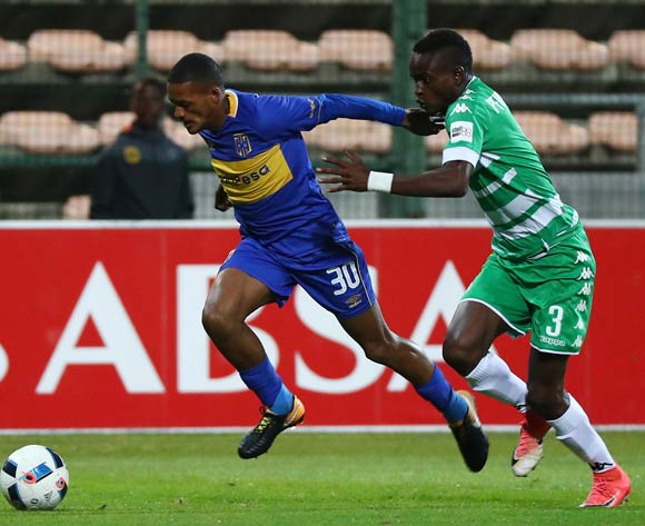 Craig Martin of Cape Town City evades challenge from Ronald Pfumbidzai of Bloemfontein Celtic during the Absa Premiership 2017/18 football match between Cape Town City FC and Bloemfontein Celtic at Athlone Stadium, Cape Town on 17 October 2017 ©Chris Ricco/BackpagePix