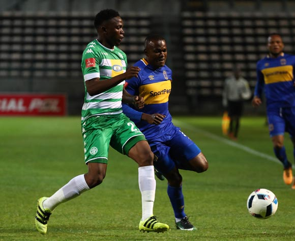 Tshepo Rikhotso of Bloemfontein Celtic evades challenge from Victor Obinna of Cape Town City during the Absa Premiership 2017/18 football match between Cape Town City FC and Bloemfontein Celtic at Athlone Stadium, Cape Town on 17 October 2017 ©Chris Ricco/BackpagePix
