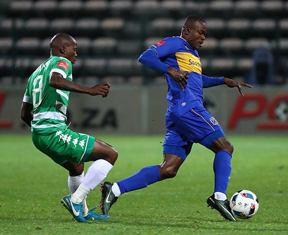 Victor Obinna of Cape Town City evades challenge from Lantshene Phalane of Bloemfontein Celtic during the Absa Premiership 2017/18 football match between Cape Town City FC and Bloemfontein Celtic at Athlone Stadium, Cape Town on 17 October 2017 ©Chris Ricco/BackpagePix