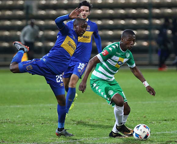 Ndumiso Mabena of Bloemfontein Celtic evades challenge from Thabo Nodada of Cape Town City during the Absa Premiership 2017/18 football match between Cape Town City FC and Bloemfontein Celtic at Athlone Stadium, Cape Town on 17 October 2017 ©Chris Ricco/BackpagePix