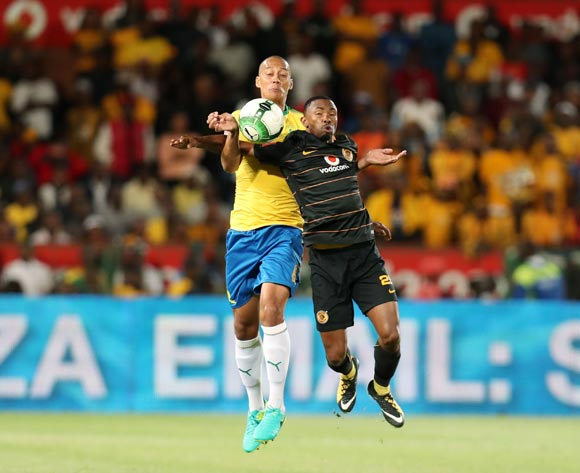 Bernard Parker of Kaizer Chiefs challenged by Wayne Arendse of Mamelodi Sundowns during the Absa Premiership 2017/18 match between Mamelodi Sundowns and Kaizer Chiefs at Loftus Versveld Stadium in Pretoria, South Africa on 17 October 2017 ©Muzi Ntombela/BackpagePix