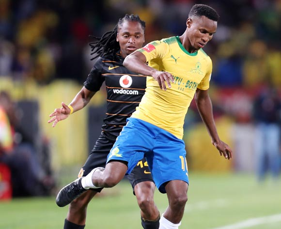 Themba Zwane of Mamelodi Sundowns challenged by Siphiwe Tshabalala of Kaizer Chiefs during the Absa Premiership 2017/18 match between Mamelodi Sundowns and Kaizer Chiefs at Loftus Versveld Stadium in Pretoria, South Africa on 17 October 2017 ©Muzi Ntombela/BackpagePix