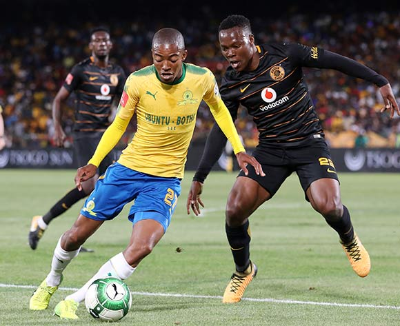 Thapelo Morena of Mamelodi Sundowns challenged by Philani Zulu of Kaizer Chiefs during the Absa Premiership 2017/18 match between Mamelodi Sundowns and Kaizer Chiefs at Loftus Versveld Stadium in Pretoria, South Africa on 17 October 2017 ©Muzi Ntombela/BackpagePix