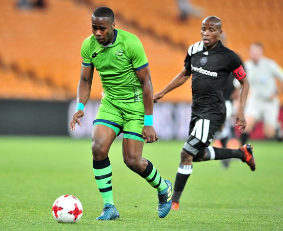 Bongi Ntuli of Platinum Stars challenged by Thabo Matlaba of Orlando Pirates during the Absa Premiership 2017/18 football match between Orlando Pirates and Platinum Stars at FNB Stadium, Johannesburg on 18 October 2017 ©Samuel Shivambu/BackpagePix