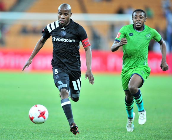 Thabo Matlaba of Orlando Pirates challenged by Raymond Monama of Platinum Stars during the Absa Premiership 2017/18 football match between Orlando Pirates and Platinum Stars at FNB Stadium, Johannesburg on 18 October 2017 ©Samuel Shivambu/BackpagePix