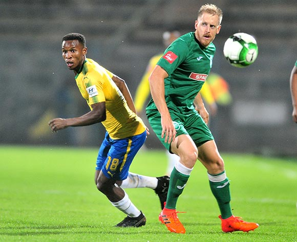 Themba Zwane of Mamelodi Sundowns challenged by Michael Morton of AmaZulu during the Absa Premiership 2017/18 football match between Mamelodi Sundowns and AmaZulu at Lucas Moripe Stadium, Pretoria on 21 October 2017 ©Samuel Shivambu/BackpagePix