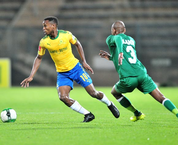 Themba Zwane of Mamelodi Sundowns challenged by Lungelo Dlamini of AmaZulu during the Absa Premiership 2017/18 football match between Mamelodi Sundowns and AmaZulu at Lucas Moripe Stadium, Pretoria on 21 October 2017 ©Samuel Shivambu/BackpagePix