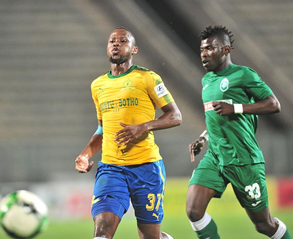 Thokozani Sekotlong of Mamelodi Sundowns challenged by Samuel Darpoh of AmaZulu during the Absa Premiership 2017/18 football match between Mamelodi Sundowns and AmaZulu at Lucas Moripe Stadium, Pretoria on 21 October 2017 ©Samuel Shivambu/BackpagePix