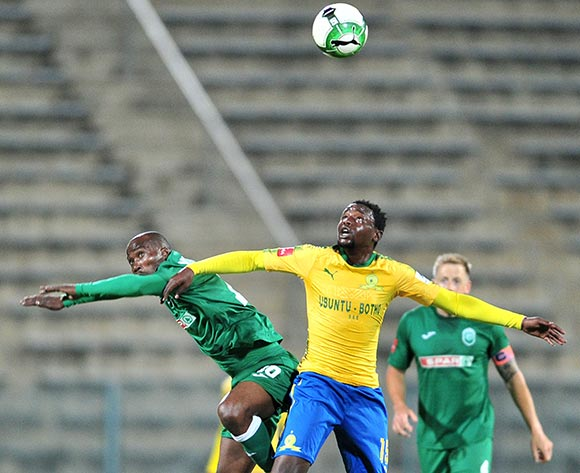 Siyabonga Nomvete of AmaZulu challenged by Lucky Mohomi of Mamelodi Sundowns during the Absa Premiership 2017/18 football match between Mamelodi Sundowns and AmaZulu at Lucas Moripe Stadium, Pretoria on 21 October 2017 ©Samuel Shivambu/BackpagePix