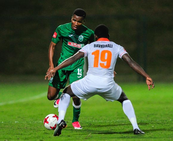 Boysen Mbatha of AmaZulu FC tries to get past the defence of Ndivhuwo Tavhuhali of Polokwane City FC during the Absa Premiership 2017/18 game between AmaZulu and Polokwane City at King Goodwill Zwelithini Stadium, Durban on 18 October 2017 © Gerhard Duraan/BackpagePix