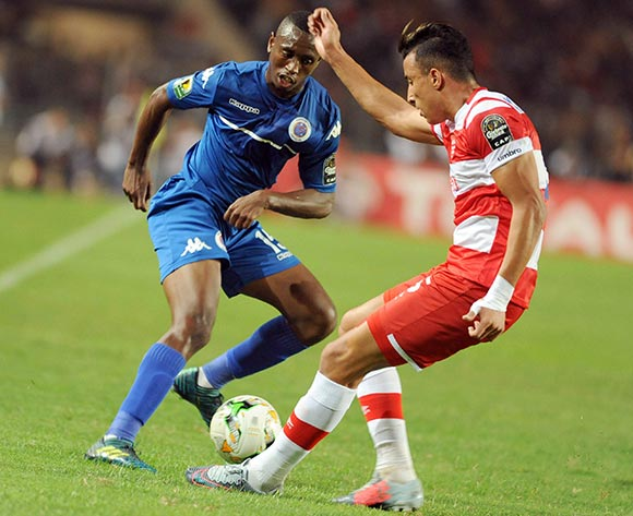 Club Africain player  Ahmed Khelil  (R) fights for the ball with Supersport United FC player Siyabonga Nhlapho  (L) during the semi-final return 2017 CAF Confederations Cup game between Club Africain and Supersport United FC in Tunis, Tunisia on 22 October 2017 © BackpagePix