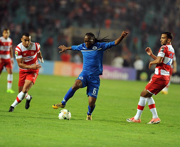 Club Africain player  Oussama Darragi (R) fights for the ball with Supersport United FC player  Reneilwe Letsholonyane  (L) during the semi-final return 2017 CAF Confederations Cup game between Club Africain and Supersport United FC in Tunis, Tunisia on 22 October 2017 © BackpagePix