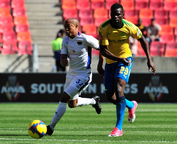 Kurt Lentjies of Chippa United and Bangaly Soumahoro of Mamelodi Sundowns  during the Absa Premiership 2017/18 game between Chippa United and Mamelodi Sundowns at Nelson Mandela Bay Stadium, Port Elizabeth on 25 November 2017 © Deryck Foster/BackpagePix