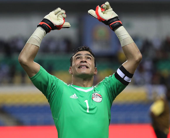 Egyptian goalkeeper Essam El-Hadary sends a message of support to Italy's Gianluigi Buffon