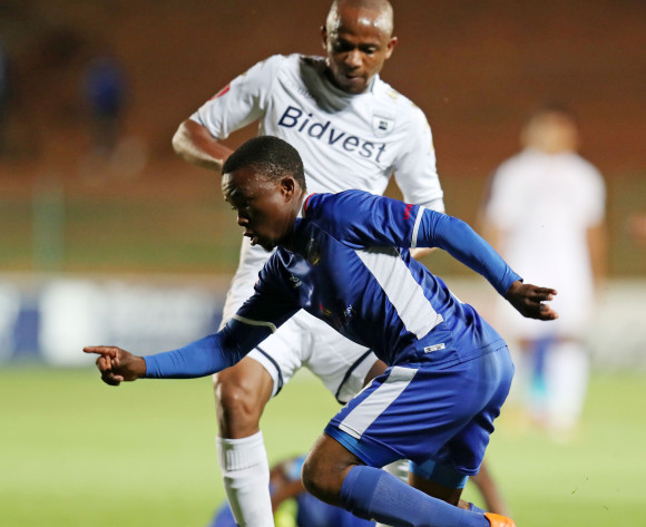 Paseka Mako of Chippa United challenged by Xolani Mlambo of Bidvest Wits during Absa Premiership 2017/18 match between Bidvest Wits and Chippa United at Bidvest Wits Stadium, Johannesburg South Africa on 01 November 2017 ©Muzi Ntombela/BackpagePix