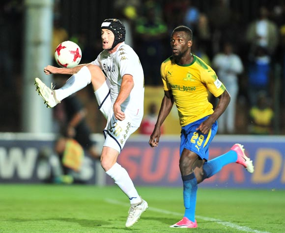 James Keene of Bidvest Wits challenged by Soumahoro Bangaly of Mamelodi Sundowns during the Absa Premiership 2017/18 football match between Bidvest Wits and Mamelodi Sundowns at Bidvest Stadium, Johannesburg on 21 November 2017 ©Samuel Shivambu/BackpagePix