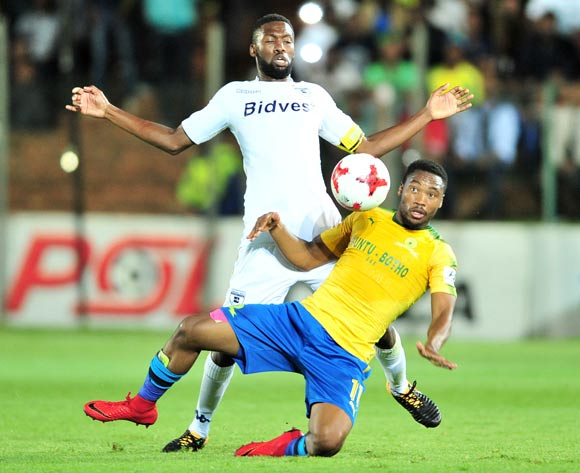 Sibusiso Vilakazi of Mamelodi Sundowns challenged by Buhle Mkhwanazi of Bidvest Wits during the Absa Premiership 2017/18 football match between Bidvest Wits and Mamelodi Sundowns at Bidvest Stadium, Johannesburg on 21 November 2017 ©Samuel Shivambu/BackpagePix