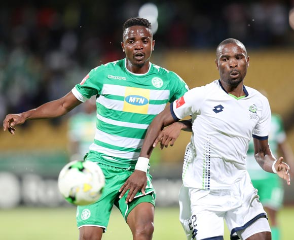 Tshepo Rikhotso of Bloemfontein Celtic shields Robert Ngambi of Platinum Stars during the Absa Premiership 2017/18 match between Platinum Stars and Bloemfontein Celtic at Royal Bafokeng Stadium, Rustenburg South Africa on 22 November 2017 ©Muzi Ntombela/BackpagePix