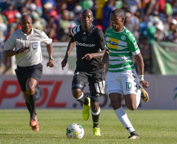 Ndumiso Mabena of Bloemfontein Celtic and Musa Nyatama of Orlando Pirates during the Absa Premiership 2017/18 game between Bloemfontein Celtic and Orlando Pirates at Dr Molemela Stadium, Bloemfontein on 26 November 2017 © Frikke Kapp/BackpagePix