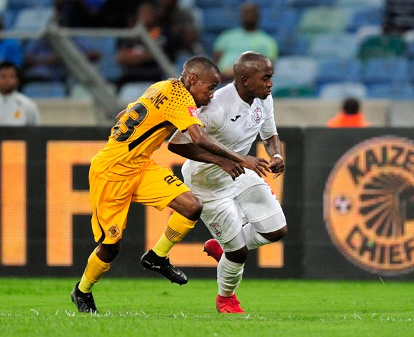 Joseph Molangoane of Kaizer Chiefs FC chases the ball with Patrick Phungwayo of Free State Stars FC during the Absa Premiership 2017/18 game between Kaizer Chiefs and Free State Stars at Moses Mabhida Stadium, Durban on 25 November 2017 © Gerhard Duraan/BackpagePix