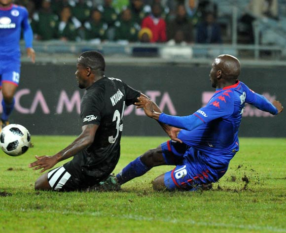 Ntsikelelo Nyauza of Orlando Pirates challenged by Aubrey Modiba of Supersport United during Absa Premiership 2017/18 match between Orlando Pirates and Supersport United at Orlando Stadium Johannesburg South Africa on 05 December 2017 ©Aubrey Kgakatsi/BackpagePix