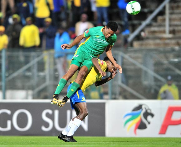 Themba Zwane of Mamelodi Sundowns challenged by Goodman Mosele of Baroka FC during the Absa Premiership 2017/18 football match between Mamelodi Sundowns and Baroka FC at Lucas Moripe Stadium, Pretoria on 05 December 2017 ©Samuel Shivambu/BackpagePix