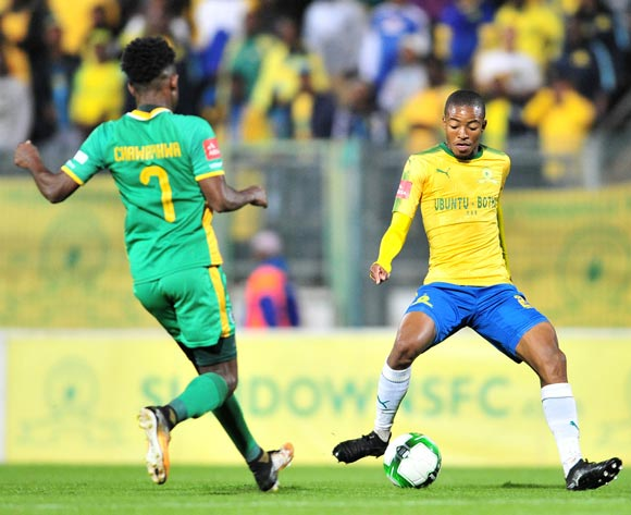 Thapelo Morena of Mamelodi Sundowns challenged by Talent Chawapiwa of Baroka FC during the Absa Premiership 2017/18 football match between Mamelodi Sundowns and Baroka FC at Lucas Moripe Stadium, Pretoria on 05 December 2017 ©Samuel Shivambu/BackpagePix