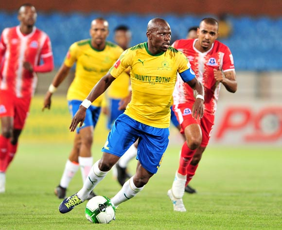 Hlompho Kekana of Mamelodi Sundowns challenged by Deolin Mekoa of Martizburg United during the Absa Premiership 2017/18 football match between Mamelodi Sundowns and Maritzburg United at Loftus Stadium, Pretoria on 13 December 2017 ©Samuel Shivambu/BackpagePix