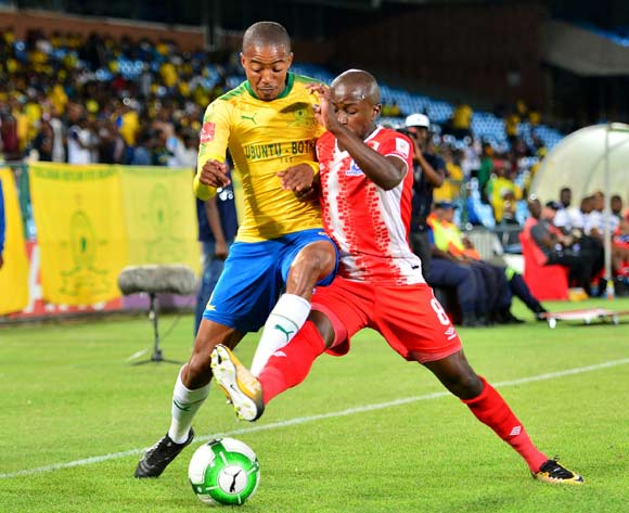 Siphesihle Ndlovu of Maritzburg United challenged by Thapelo Morena of Mamelodi Sundowns during the Absa Premiership 2017/18 football match between Mamelodi Sundowns and Maritzburg United at Loftus Stadium, Pretoria on 13 December 2017 ©Samuel Shivambu/BackpagePix