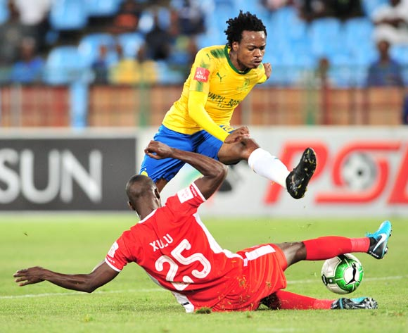 Percy Tau of Mamelodi Sundowns tackled by Siyanda Xulu of Maritzburg United during the Absa Premiership 2017/18 football match between Mamelodi Sundowns and Maritzburg United at Loftus Stadium, Pretoria on 13 December 2017 ©Samuel Shivambu/BackpagePix