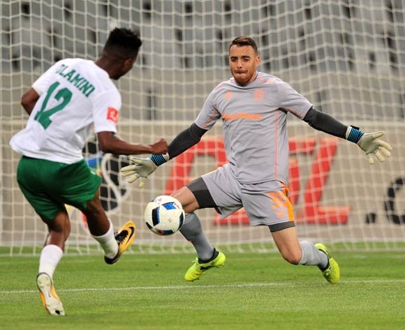Sage Stephens of Cape Town City makes a save from Sduduzo Dlamini of AmaZulu during the Absa Premiership 2017/18 game between Cape Town City and AmaZulu at Cape Town Stadium on 15 December 2017 © Ryan Wilkisky/BackpagePix