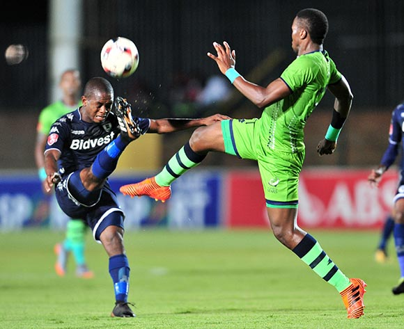 Phumlani Ntshangase of Bidvest Wits challenged by Bongi Ntuli of Platinum Stars during the Absa Premiership 2017/18 football match between Bidvest Wits and Platinum Stars at Bidvest Stadium, Johannesburg on 16 December 2017 ©Samuel Shivambu/BackpagePix