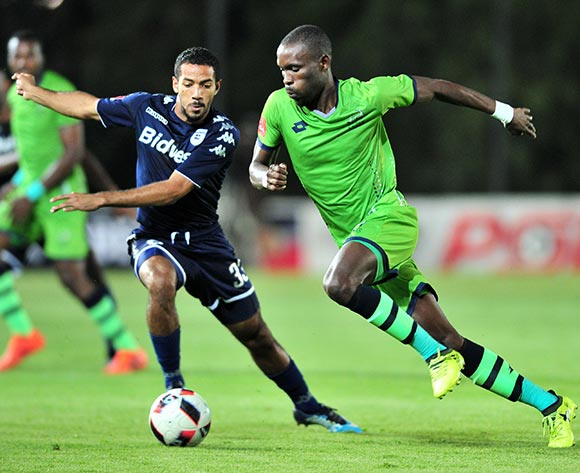 Robert Ngambi of Platinum Stars challenged by Reeve Frosler of Bidvest Wits during the Absa Premiership 2017/18 football match between Bidvest Wits and Platinum Stars at Bidvest Stadium, Johannesburg on 16 December 2017 ©Samuel Shivambu/BackpagePix