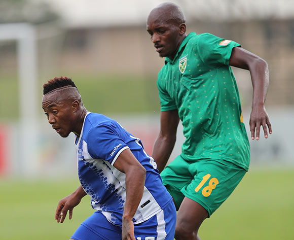 Lebohang Maboe of Maritzburg United shields ball from Lehlohonolo Nonyane of Golden Arrows during the 2017/18 Absa Premiership football match between Golden Arrows and Maritzburg United at Princess Magogo Stadium, Durban on 17 December 2017 ©Gavin Barker/BackpagePix
