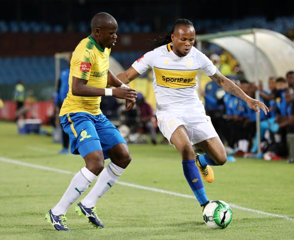 Joseph Adjei of Cape Town City challenged by Hlompho Kekana of Mamelodi Sundowns during the Absa Premiership 2017/18 match between Mamelodi Sundowns and Cape Town City at Loftus Versveld Stadium, Pretoria South Africa on 19 December 2017 ©Muzi Ntombela/BackpagePix