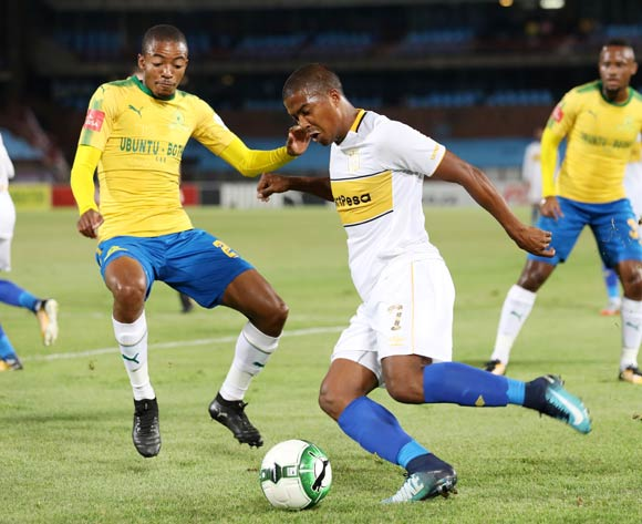 Lyle Lakay of Cape Town City challenged by Thapelo Morena of Mamelodi Sundowns during the Absa Premiership 2017/18 match between Mamelodi Sundowns and Cape Town City at Loftus Versveld Stadium, Pretoria South Africa on 19 December 2017 ©Muzi Ntombela/BackpagePix