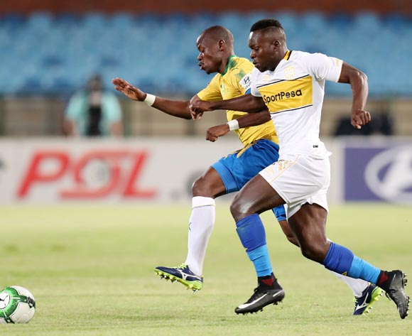 Nana Akosah-Bempah of Cape Town City challenged by Hlompho Kekana of Mamelodi Sundowns during the Absa Premiership 2017/18 match between Mamelodi Sundowns and Cape Town City at Loftus Versveld Stadium, Pretoria South Africa on 19 December 2017 ©Muzi Ntombela/BackpagePix