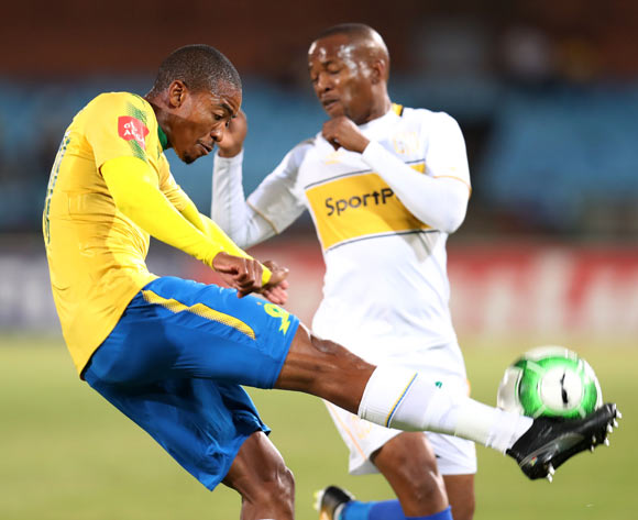 Thapelo Morena of Mamelodi Sundowns clears ball from Aubrey Ngoma of Cape Town City during the Absa Premiership 2017/18 match between Mamelodi Sundowns and Cape Town City at Loftus Versveld Stadium, Pretoria South Africa on 19 December 2017 ©Muzi Ntombela/BackpagePix