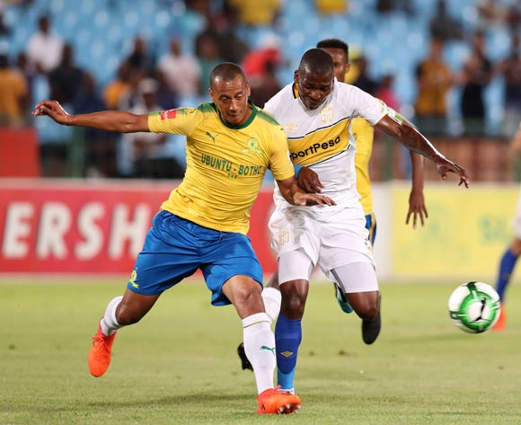 Thamsanqa Mkhize of Cape Town City challenged by Wayne Arendse of Mamelodi Sundowns during the Absa Premiership 2017/18 match between Mamelodi Sundowns and Cape Town City at Loftus Versveld Stadium, Pretoria South Africa on 19 December 2017 ©Muzi Ntombela/BackpagePix